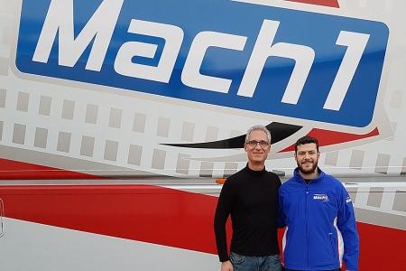 Paul-Jeremy-Voegeding-gemeinsam-mit-seinem-Teamchef-Martin-Hetschel